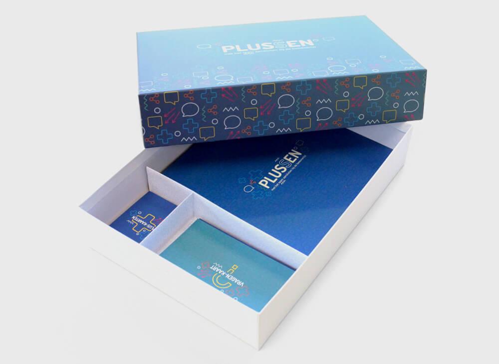Plussen-BoardGame-box